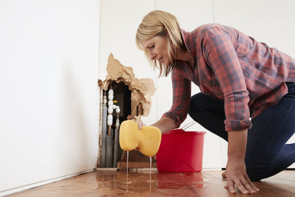 does home insurance cover busted pipe water damage